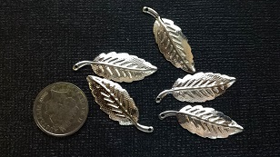Silver leaves  charms pack 5  approx 2cm Limited qty